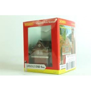 HORNBY N8077 COUNRY FIRESTATION