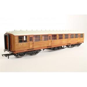 HORNBY R4172C LNER 3 CLASS COACH