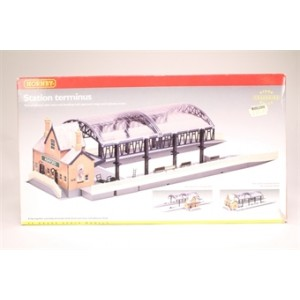HORNBY R8009 STATION