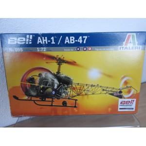 ITALERI 095 BELL AH-1 HELICOPTER