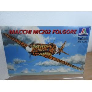 ITALERI 1222 MACCHI MC202 VLIEGTUIG