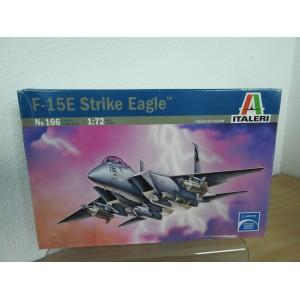 ITALERI 166 F-15E STRIKE EAGLE VLIEGTUIG
