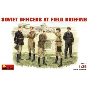 MINIART 35027 SOVIET OFFICERS AT FIELD BRIEFING