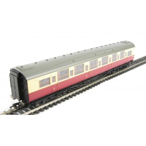 HORNBY R4345C BR Blood and Custard Maunsell Corridor Composite (High Window)