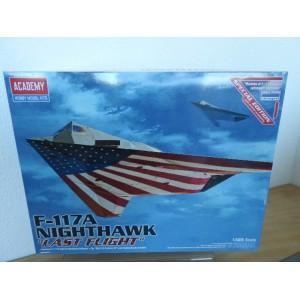 ACADEMY 12219 F-117A NIGHTHAWK VLIEGTUIG